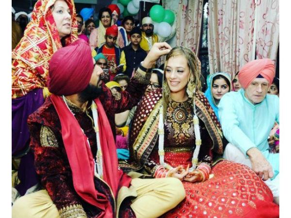 yuvraj-singh-and-hazel-keech-wedding-pictures-01-1480532704