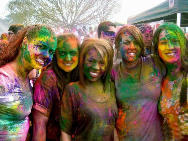 Hot College Girls Playing Holi Hd Wallpapers Images 1