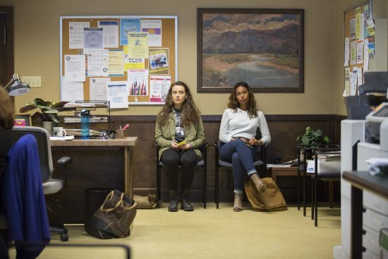13-reasons-why-jessica-and-hannah-550x367