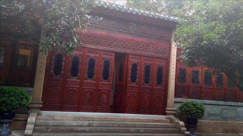 What has left me bewildered and completely awe-struck is the perfect amalgamation of tradition and modernity in China. Where you will find skyscrapers and ... & Chinese Expedition: Chinese Doors To India - ChandigarhX